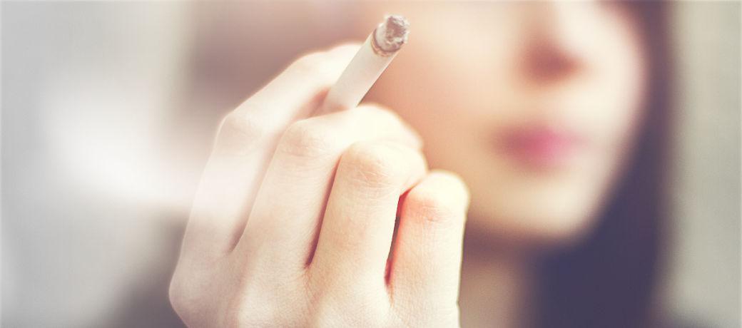 Poziom HbA1c jest dużo wyższy u diabetyków palących papierosy, donoszą najnowsze badania.
